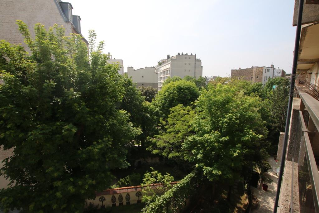 LA CAMPAGNE A PARIS